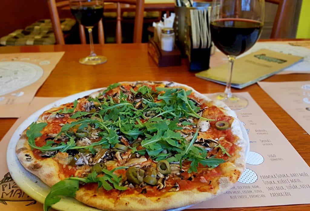 manna vegan pizza Karlin Prague