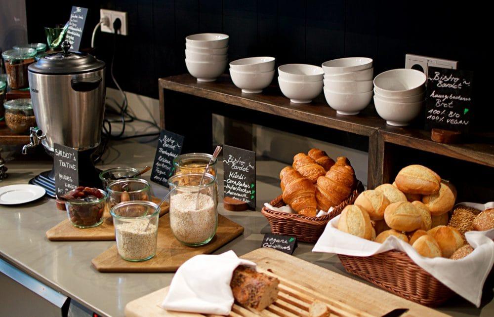 vegan brunch hotel almodovar berlin