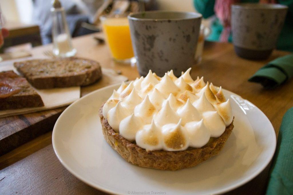 best vegan desserts in madrid - lemon meringue