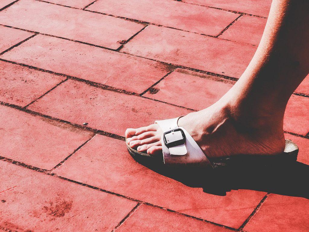 what are vegan sandals